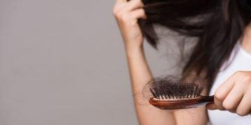 sonhar com perda de cabelo