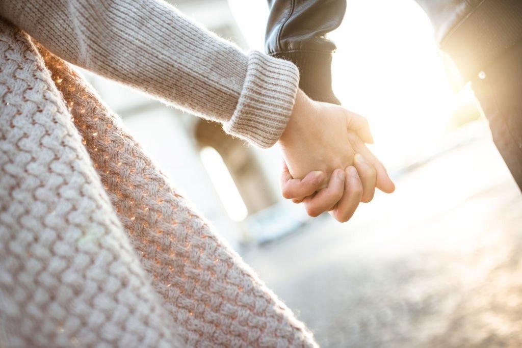 Bedeutung von Träumen mit den Händen gegeben? 1